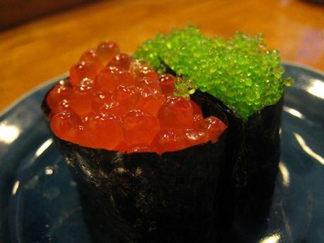 Tiem sushi chi co 10 ghe ma Beckham, Obama cung phai xep hang ghe tham - Anh 9