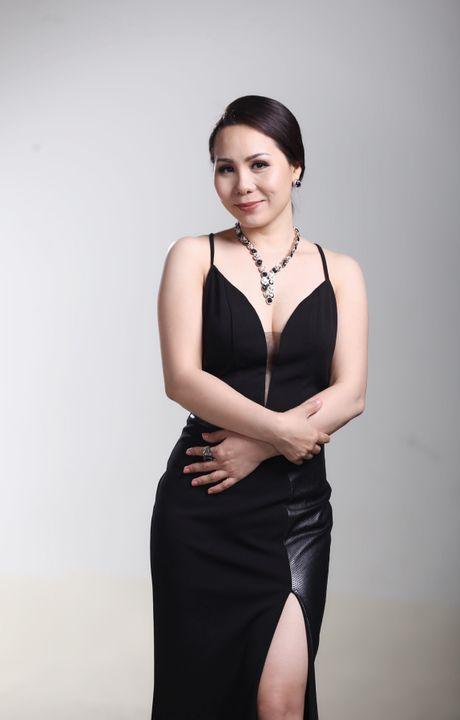 Bat mi bi mat trong ngon tay deo nhan cua Nu hoang Kim Chi - Anh 7