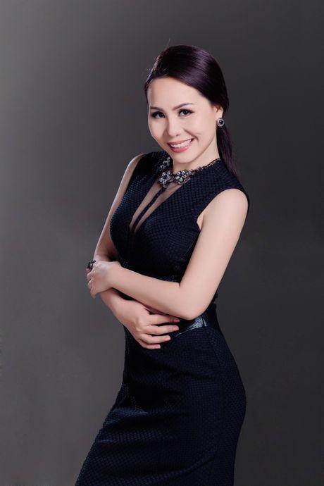 Bat mi bi mat trong ngon tay deo nhan cua Nu hoang Kim Chi - Anh 8