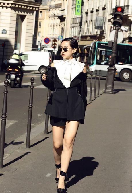 Tram Nguyen bung no trong ngay cuoi Paris Fashion Week - Anh 1