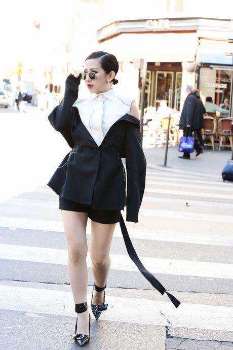 Tram Nguyen bung no trong ngay cuoi Paris Fashion Week - Anh 2