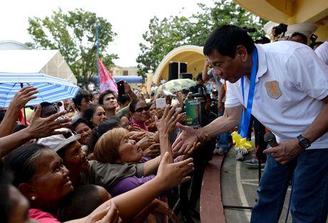 He lo nguoi soan 'ban danh sach dam mau' cua ong Duterte - Anh 3
