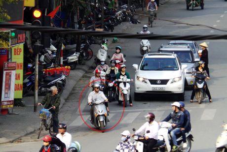 Chuyen chang Tay: 'Nguoi Viet bao toi cu… vuot den do' - Anh 3