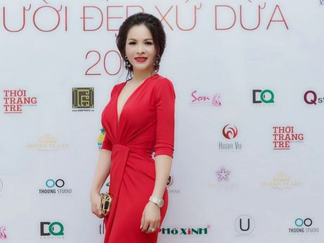 Hoa hau Le Thanh Thuy 'don tim' voi dam da hoi quyen ru - Anh 4