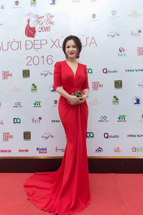 Hoa hau Le Thanh Thuy 'don tim' voi dam da hoi quyen ru - Anh 5