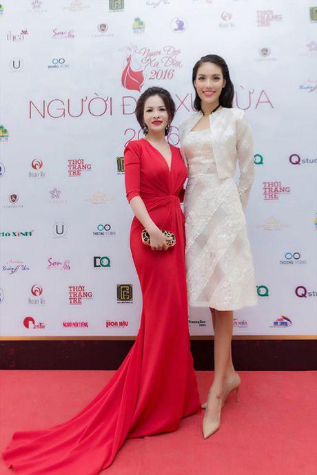 Hoa hau Le Thanh Thuy 'don tim' voi dam da hoi quyen ru - Anh 6