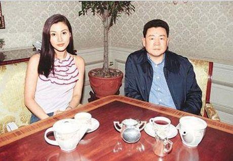 'Ty phu chuyen san sao nu' cua Hong Kong ngoi xe lan o tuoi 65 - Anh 2