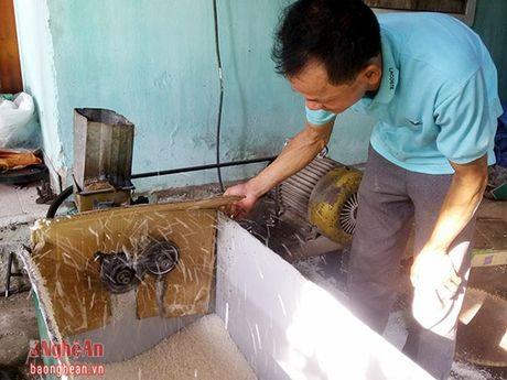Lam banh com o Dong Thuan- nghe phu thu nhap chinh - Anh 1