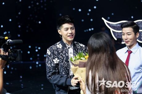 Fan keo bang-ron chuc Noo thanh cong tai 'Asia Song Festival' duoi san khau The Voice Kids - Anh 3