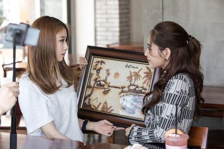 'Kim Tae Hee Viet Nam' Chi Pu than thiet voi 'ban sao Kim Tea Hee' Jiyeon (T-ara) - Anh 1