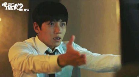 K2: Ngam Yoona an mi tom, Ji Chang Wook cuoi tit mat - Anh 10