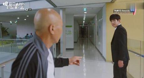 K2: Ngam Yoona an mi tom, Ji Chang Wook cuoi tit mat - Anh 31
