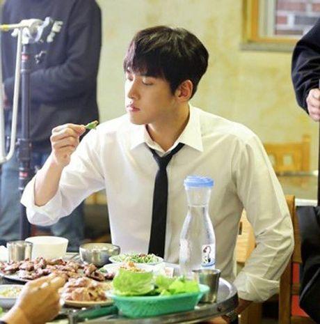 K2: Ngam Yoona an mi tom, Ji Chang Wook cuoi tit mat - Anh 33