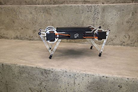 Clip: Robot co the leo rao, mo cua voi gia 1.500 USD - Anh 5