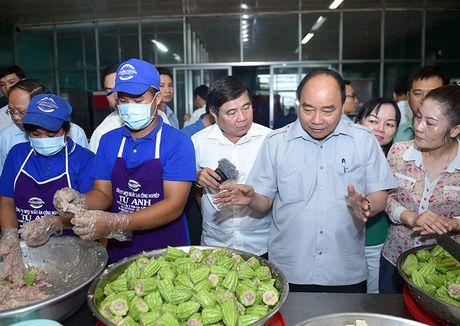 Thu tuong lam thuc khach tai quan an duong pho TP.HCM - Anh 2