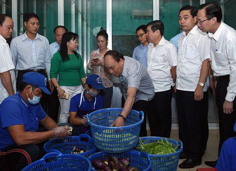 Thu tuong lam thuc khach tai quan an duong pho TP.HCM - Anh 3