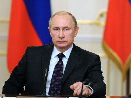 Tong thong Nga Putin sa thai hon 10 quan chuc Bo Noi vu - Anh 1