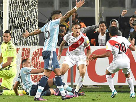Argentina bi Peru cam hoa 2-2: Noi nho Messi va con am anh chien thang - Anh 1