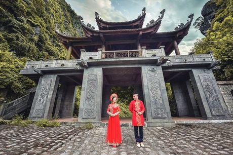 Choang voi cach 'thach cuoi' cua nu dao dien 'trieu view': Di qua du 20 nuoc moi chiu ve chung mot nha - Anh 10