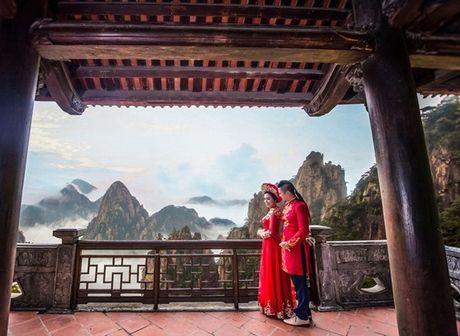 Choang voi cach 'thach cuoi' cua nu dao dien 'trieu view': Di qua du 20 nuoc moi chiu ve chung mot nha - Anh 9
