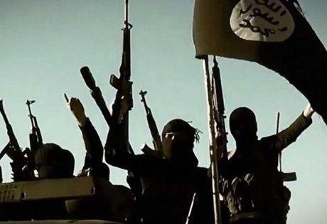 Tim thay xac vien chi huy khet tieng cua IS tai bien gioi Liban-Syria - Anh 1