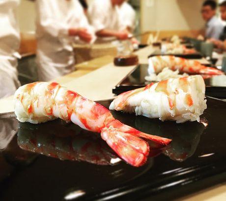 Nha hang sushi huyen thoai duoc nhieu nguoi noi tieng ghe tham - Anh 12