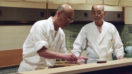 Nha hang sushi huyen thoai duoc nhieu nguoi noi tieng ghe tham - Anh 9