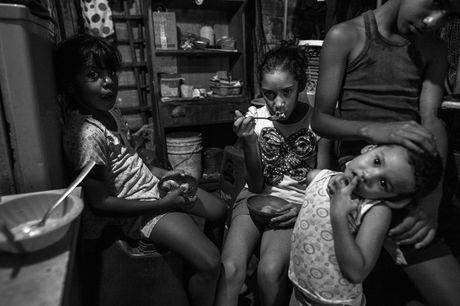 Xot xa canh ngo ngheo doi cua nguoi dan Venezuela - Anh 3