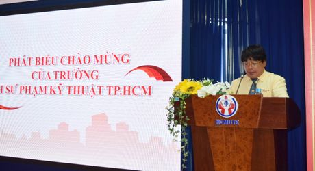 Khai mac Hoi thi Olympic cac mon Khoa hoc Mac-LeNin va tu tuong Ho Chi Minh - Anh 2