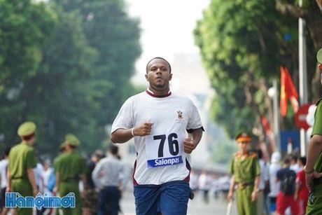 An tuong nhung VDV nuoc ngoai tai chung ket Giai chay Bao Hanoimoi - Anh 6