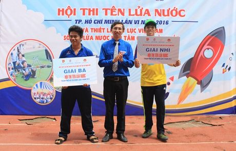Teen Sai thanh lap ky luc ban 120 ten lua nuoc cung luc - Anh 11