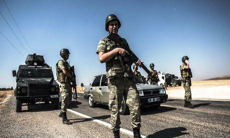 Dau sung du doi o mien bac Syria, 31 phien quan IS thiet mang - Anh 1