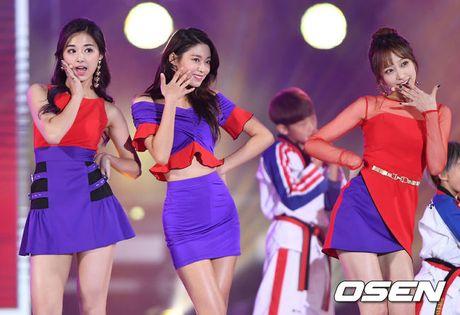 Ba my nhan the he moi Seolhyun, Hani va Tzuyu khi dung canh nhau, ai dep hon ai? - Anh 4