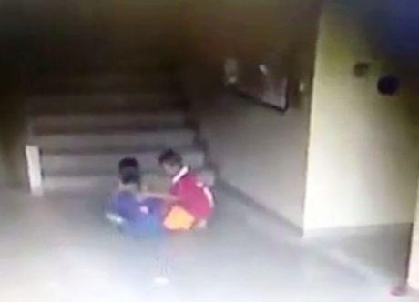 Thai Lan: Nguoi dan ong danh dap da man cau be 7 tuoi vi toi bat nat con trai minh - Anh 1