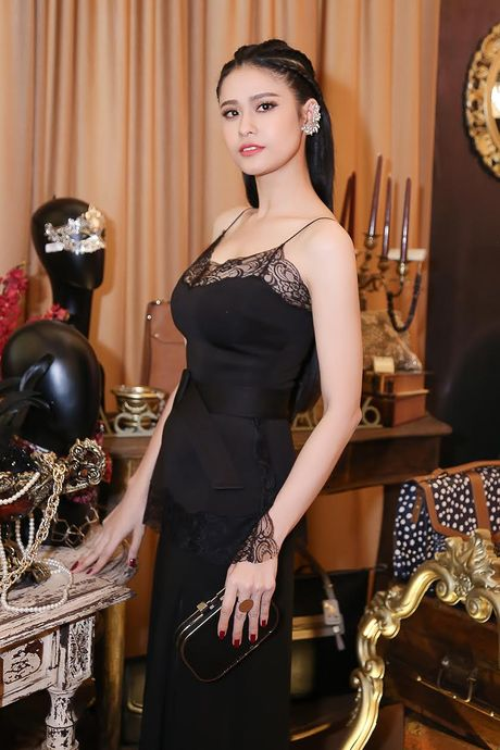 Ninh Duong Lan Ngoc do sac voi Truong Quynh Anh - Anh 1