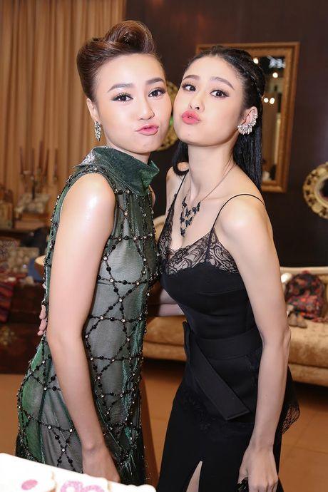 Ninh Duong Lan Ngoc do sac voi Truong Quynh Anh - Anh 3