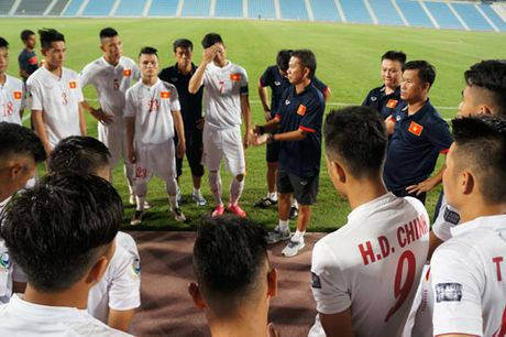 DT U19 Viet Nam hoa truoc U19 Tajikistan - Anh 1