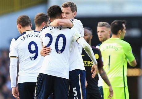 Top cac cau thu xuat sac nhat Tottenham 2 thang dau mua - Anh 2