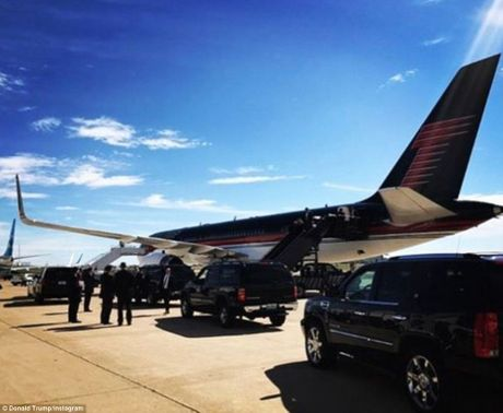 Chum anh ba Clinton, ong Trump truoc cuoc tranh luan lan 2 - Anh 8
