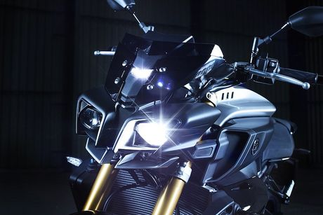 Yamaha MT-10 SP - Ban 'naked bike' cua sieu moto R1M - Anh 2
