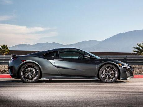 Acura NSX so ke kich tinh cung Lamborghini Aventador tren duong dua - Anh 1