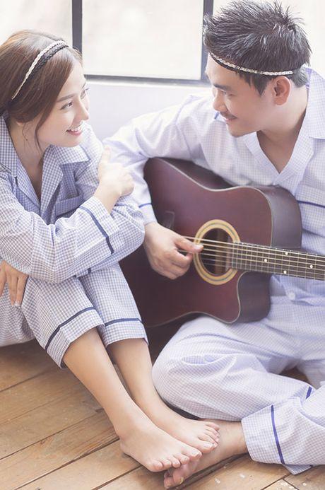 """Tan chay"" voi anh cuoi ngot ngao cua Khanh Hien va ban trai Viet kieu - Anh 9"