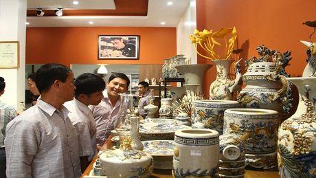 Bat Trang Viet Nam dua gom Gia Toc Viet chinh phuc thi truong Dien Bien - Anh 2