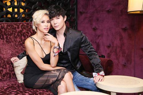 Nathan Lee tinh tu om chat Phuong Mai khong roi - Anh 1