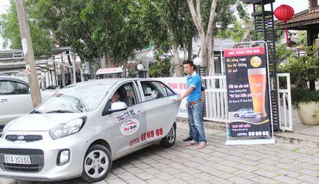 100 xe taxi tham gia chuong trinh cho khach ve nha mien phi - Anh 1