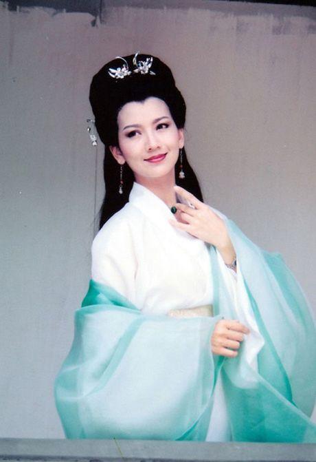 Nhan sac tre mai khong gia cua my nhan 'Ben Thuong Hai' - Anh 2