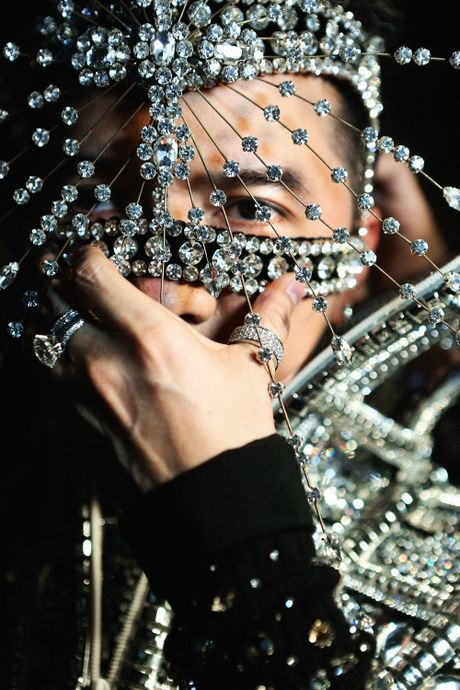Mr Dam tung trailer 'Diamond Show' sieu dep truoc dem dien o HN - Anh 2