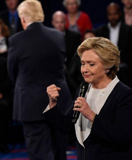 Anh an tuong trong cuoc tranh luan thu 2 cua Trump va Clinton - Anh 11