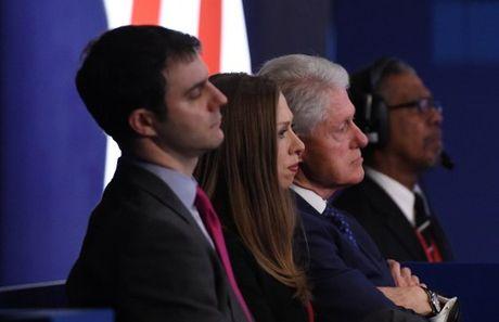Anh an tuong trong cuoc tranh luan thu 2 cua Trump va Clinton - Anh 4