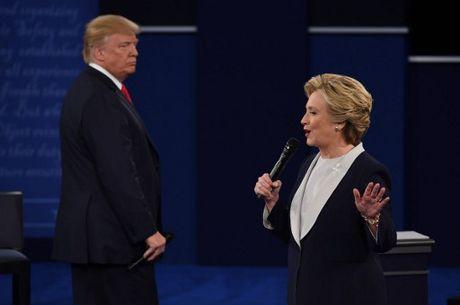 Anh an tuong trong cuoc tranh luan thu 2 cua Trump va Clinton - Anh 7